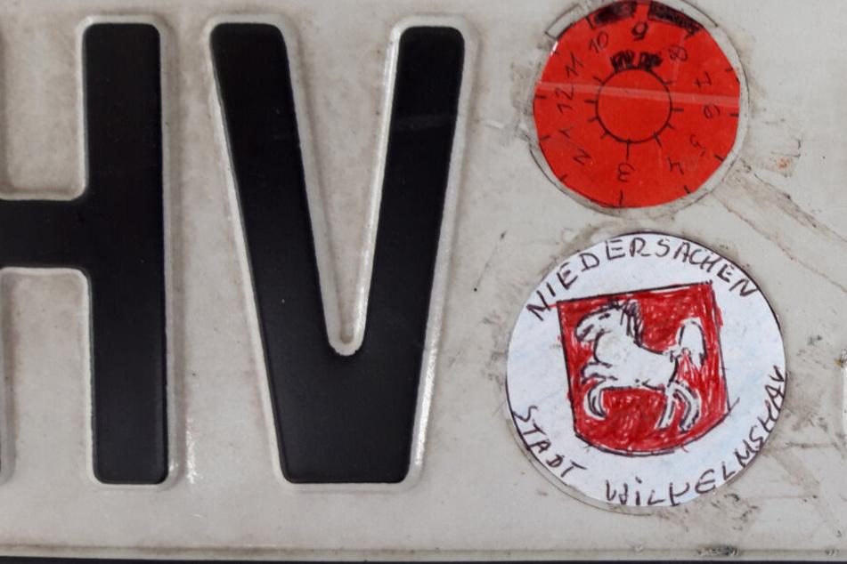 Die Frau hatte sogar das Wappen von Niedersachsen abgemalt.
