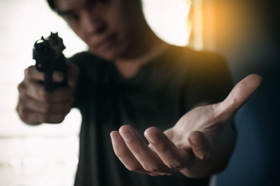 Bei der Pistole soll es sich um keine scharfe Waffe gehandelt haben. (Symbolbild)