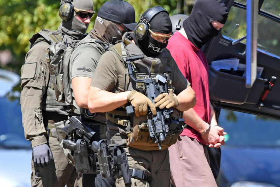 Mit der Waffe vor Lübckes Haus gestanden: Hat Stephan E. den Mord am Politiker seit Jahren geplant?