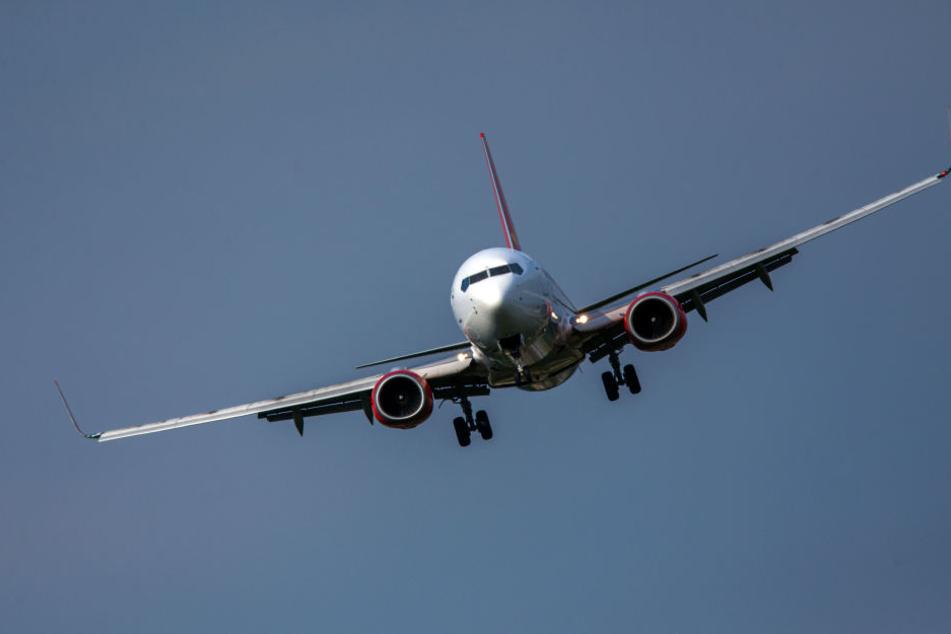 Das Radiomoderatoren-Ehepaar war mit einem Flugzeug der türkischen Gesellschaft Corendon unterwegs. Auf dem Rückflug von Kreta nach Leipzig kam es zu dem tragischen Zwischenfall.
