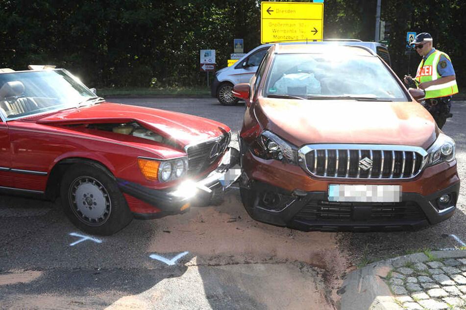 Einer der beiden Fahrer wurde bei der Kollision verletzt.