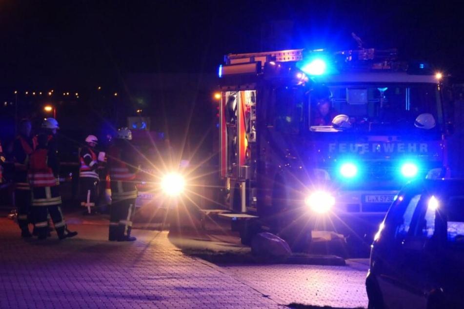 Die Feuerwehr ist bereits zur Absicherung vor Ort.
