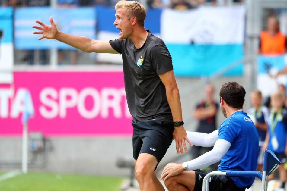 Trainer David Bergner vor Co-Trainer Sreto Ristic.