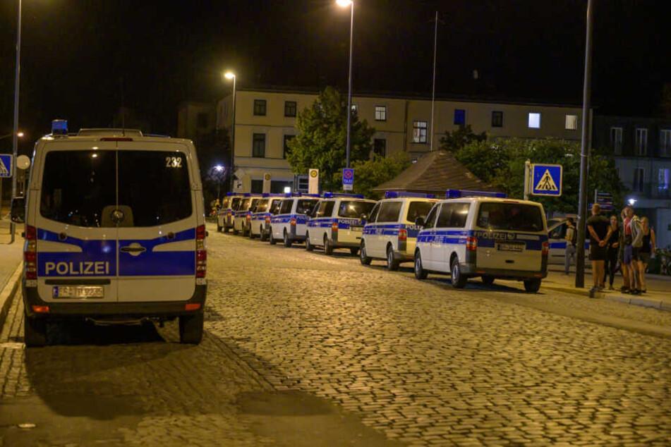 Die Polizei war mit einem Großaufgebot am Weimaer Bahnhof vor Ort.