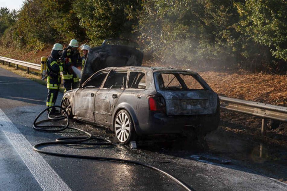 Da ist nicht viel zu retten, der Audi ist Schrott...
