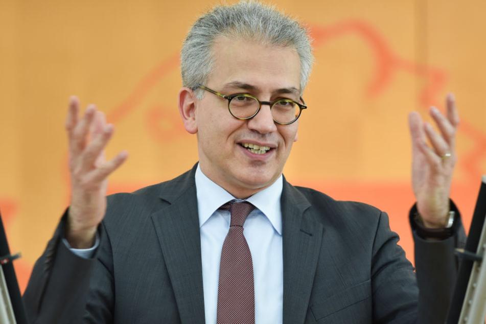 Der Verkehrsminister Al-Wazir (Grüne) will Hessens Mobilität umweltfreundlicher gestalten. (Symbolbild)