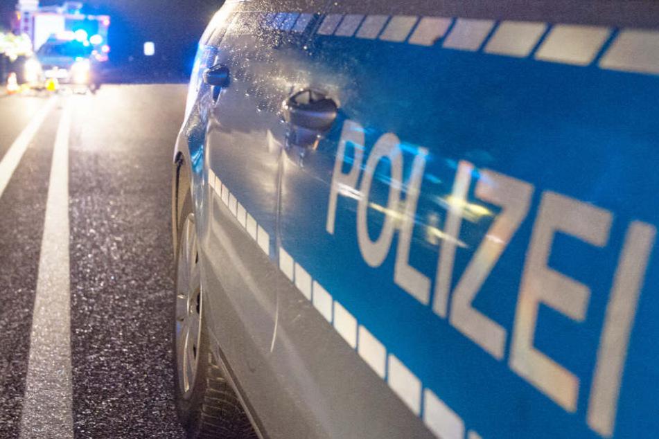 Die Polizei geht nach dem Unfall auf der B16 nicht von Vorsatz aus. (Symbolbild)