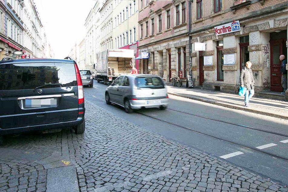Auf der Görlitzer Straße klauten die Diebe das Portemonnaie eines Sprinter-Fahrers und besprühten ihn mit Reizgas.