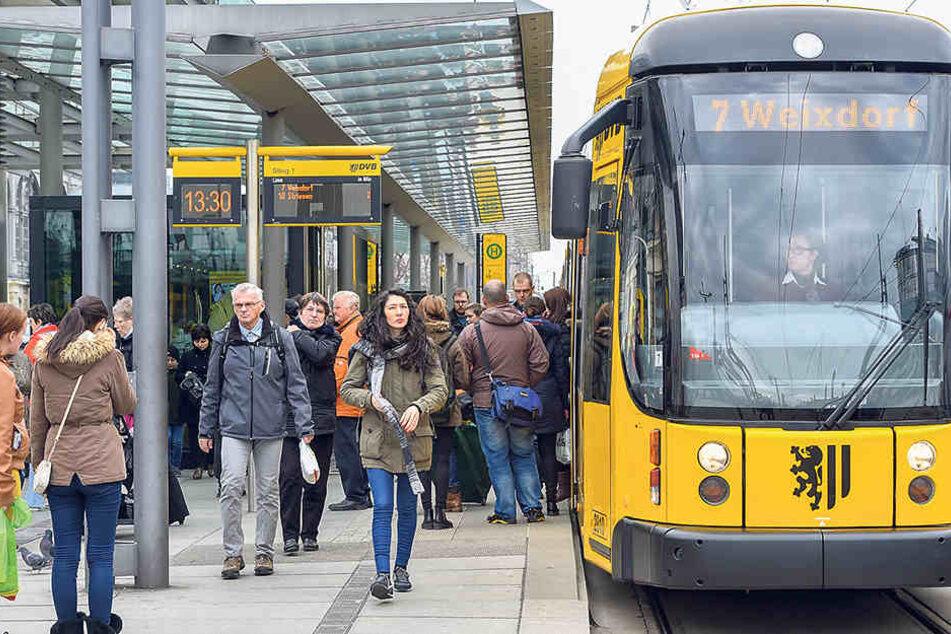 Die Dresdner Verkehrsbetriebe (DVB) erhöhen im Advent die Taktung ihrer  Straßenbahnen.