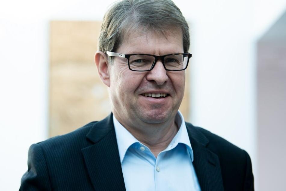Aus an SPD-Spitze: Stegner will wieder öfter ins Fußballstadion