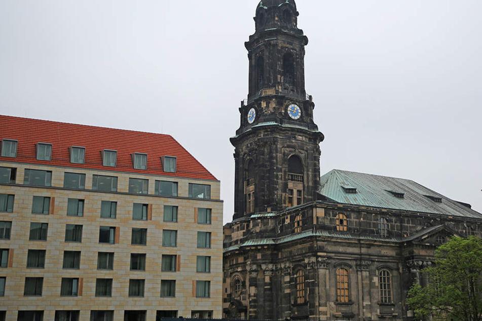 In der Dresdner Kreuzkirche steht am Freitagmorgen alles still.