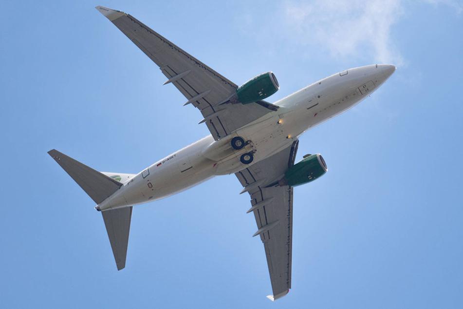 Der Fäkalienhaufen stammt vermutlich von einem Flugzeug (Symbolbild).