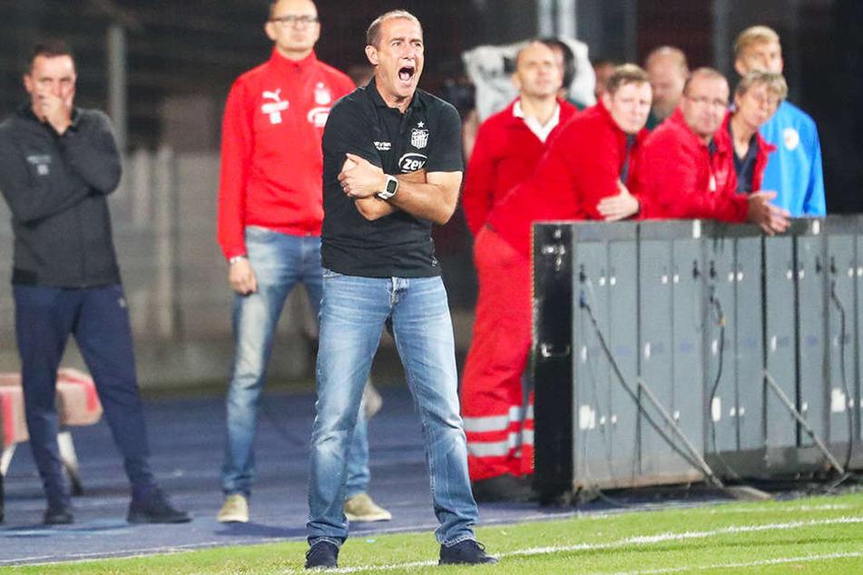 FSV-Trainer Joe Enochs wurde von Kaiserslauterns legendärem Torwarttrainer Gerry Ehrmann verbal attackiert.