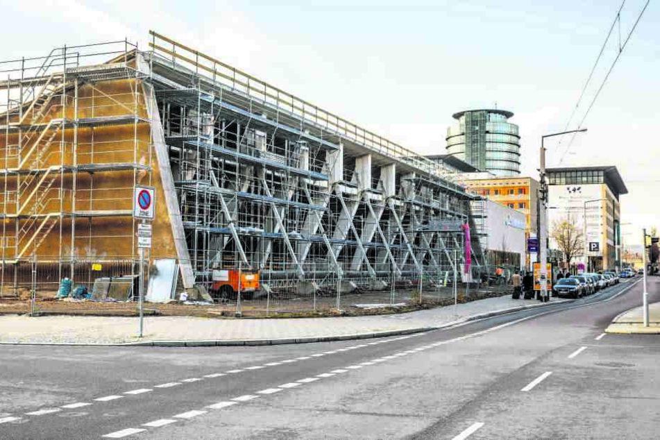 Die denkmalgeschützte Halle am Freiberger Platz wird bis 2019 saniert.