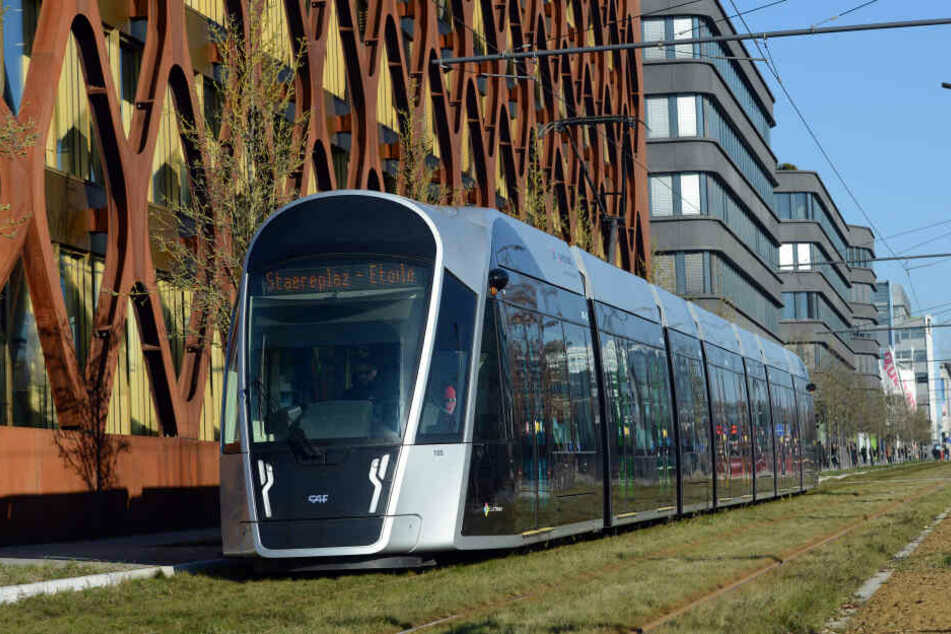 Luxemburgs hochmoderne Straßenbahn soll bald kostenfrei nutzbar sein.