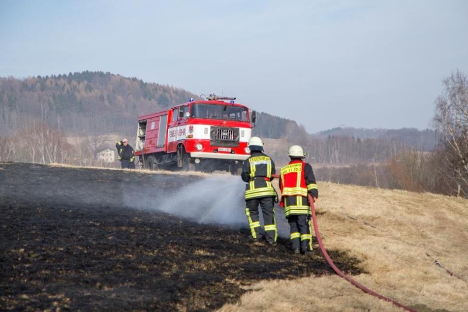 Es mussten mehrere Feuerwehren nachalarmiert werden um den Brand unter Kontrolle zu bekommen.