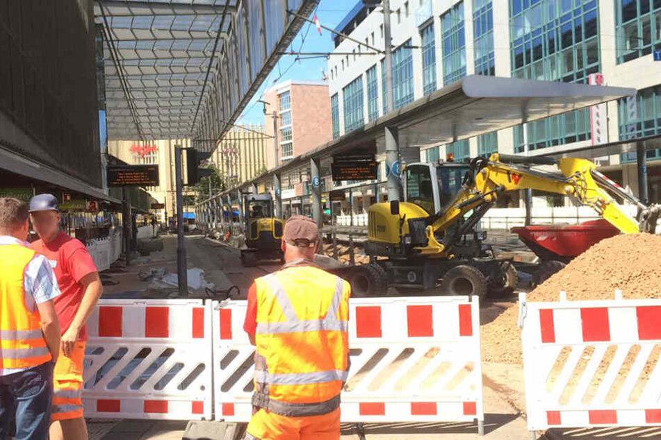Auch auf der Baustelle an der Zentralhaltestelle ruht die Arbeit.