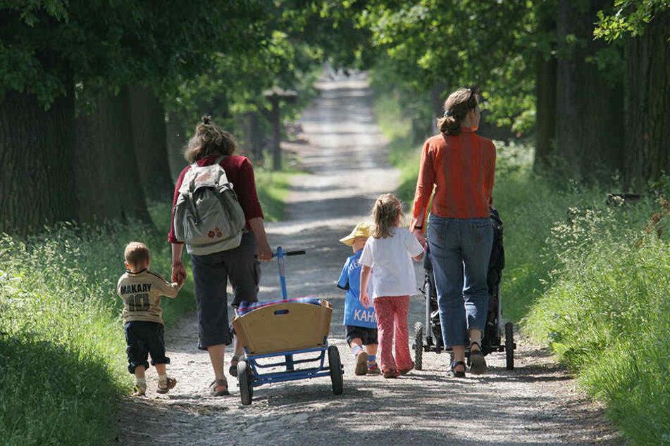Eltern, die keinen Unterhalt für ihre Kinder zahlen, kosten Berlin eine Stange Geld.