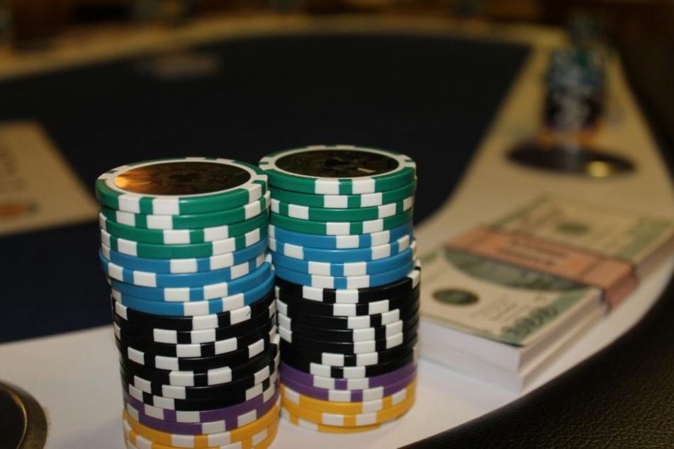 Blackjack, Roulette oder Spielautomaten: Das alles gibt es auch im Online-Format.