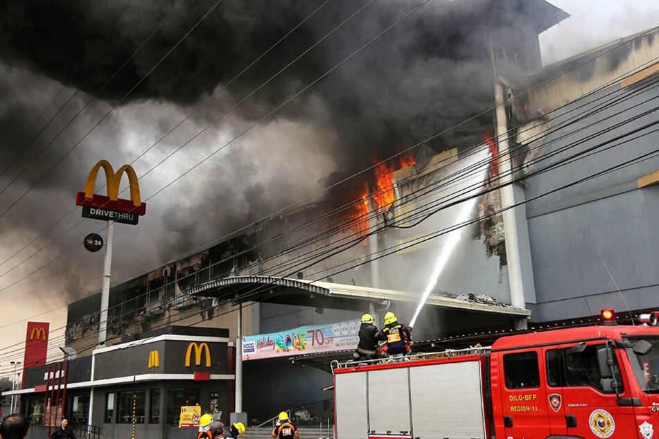 Das Feuer nahm mehreren Personen das Leben.