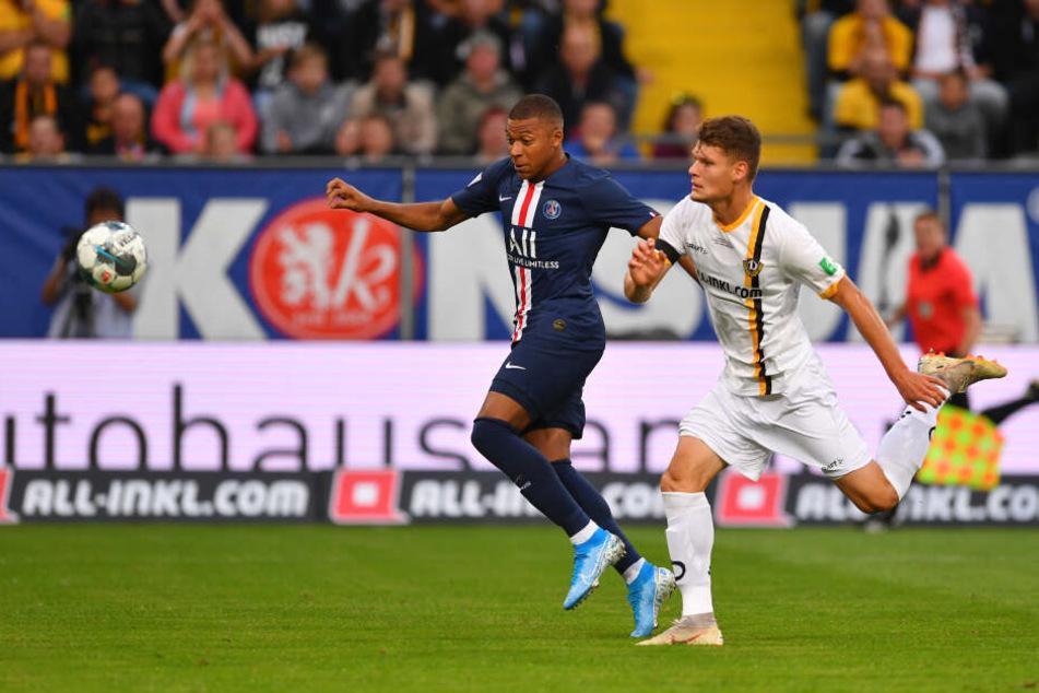 Mbappé trifft hier zum 1:0 für PSG.