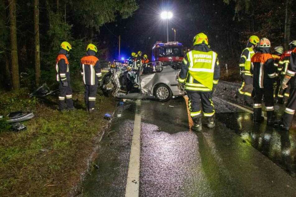 Das Überholmanöver des silbernen BMW endete für sechs Menschen im Krankenhaus.