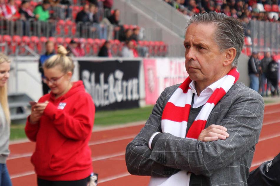Club-Boss Rolf Rombach (64) ist zumindest bis zum 4.November handlungsfähig.