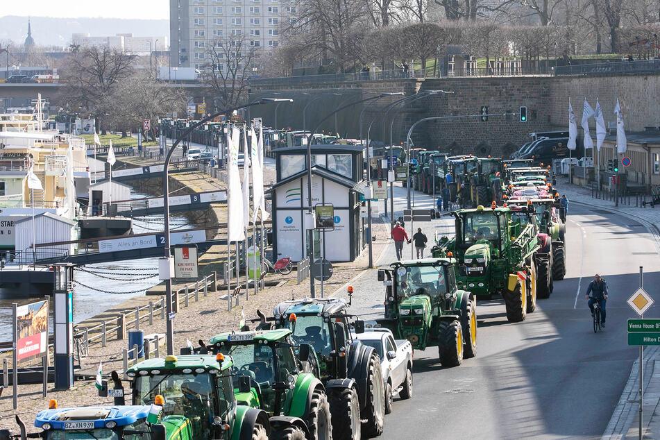 Dresden: Stadt heute wieder dicht? Bauern protestieren mit Traktoren gegen neue Verordnung