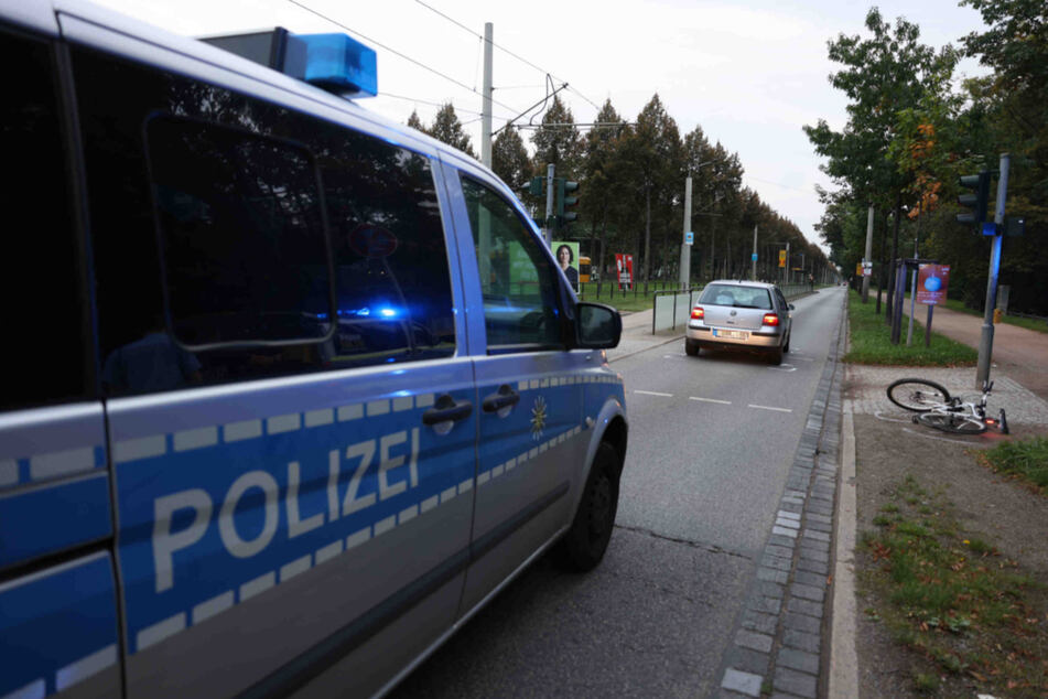 Die Radfahrerin musste nach dem Crash in ein Krankenhaus gebracht werden.
