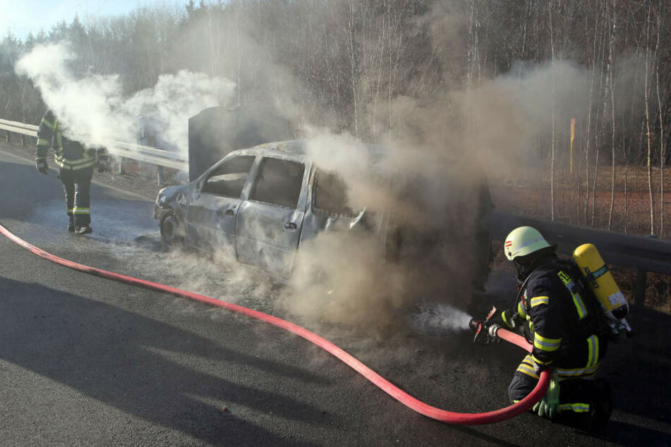 Dacia brennt aus: A4-Auffahrt gesperrt