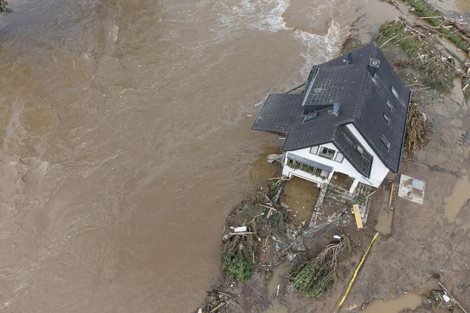 Im Westen Deutschlands kam es zu schweren Überflutungen. Sachsen-Anhalt bietet Hilfe an.