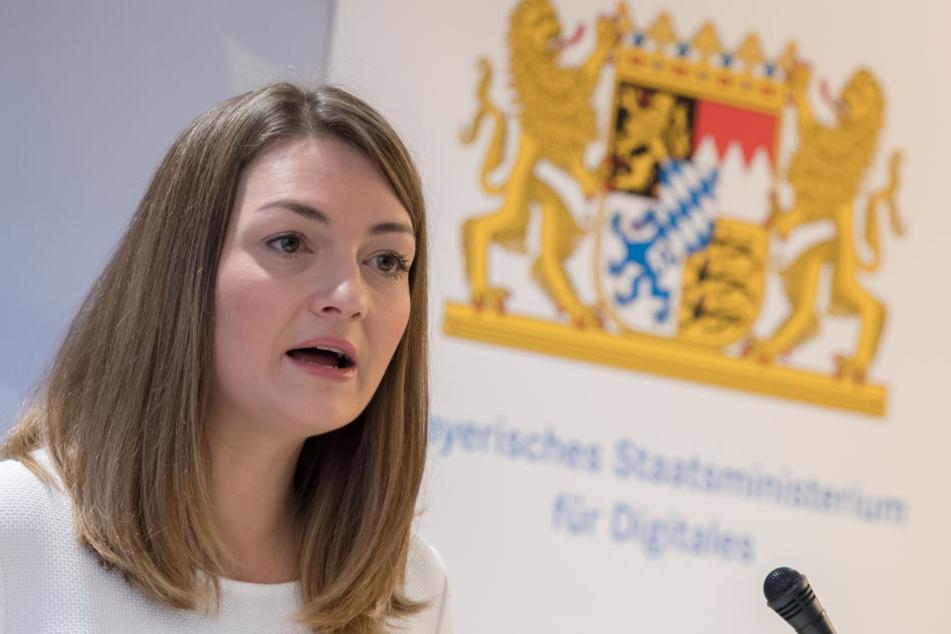 Digitalministerin Judith Gerlach (33, CSU) will Frauen in digitalen Berufen fördern.