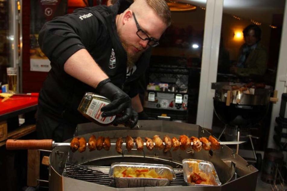 Gewinner Christian Seibert von Westwood BBQ sorgt für die richtige Würze.
