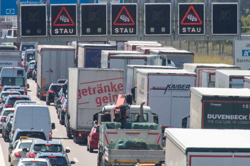 München: Straßen dicht in Bayern: Auf diesen Strecken braucht man viel Geduld