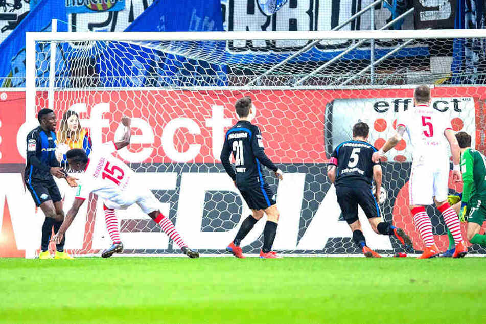 Als Jhon Cordoba zum 1:0 für Köln traf, sah alles nach einem sicheren Favoritensieg aus.