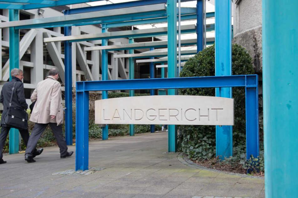 Vor dem Bielefelder Landgericht findet der Prozess statt.