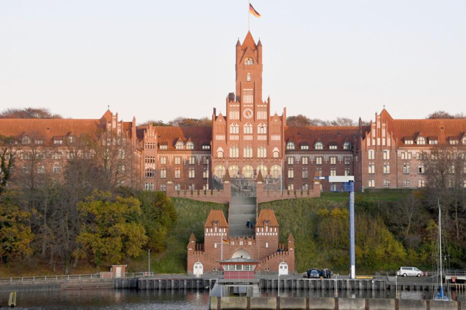 Die Marineschule im Flensburger Stadtteil Mürwik war im Mai 1945 Sitz der letzten Reichsregierung. (Archivbild)