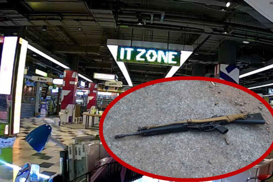 Soldat erschießt mehrere Menschen in Einkaufszentrum