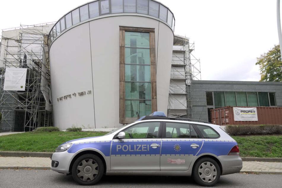 Nach dem Anschlag in Halle wurde die Polizeipräsenz an der Chemnitzer Synagoge erhöht.