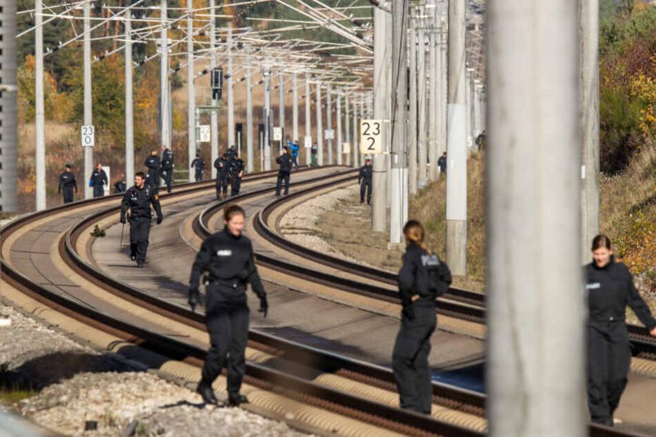 Iraker nach Anschlägen auf Züge verhaftet: Verbindungen zum Islamischen Staat?