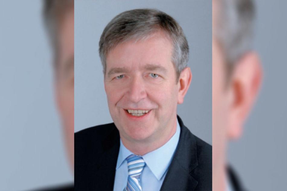 Die Grünen fordern, AfD-Mitglied Christian Kriegel aus dem Migrantenbeirat auszuschleißen.