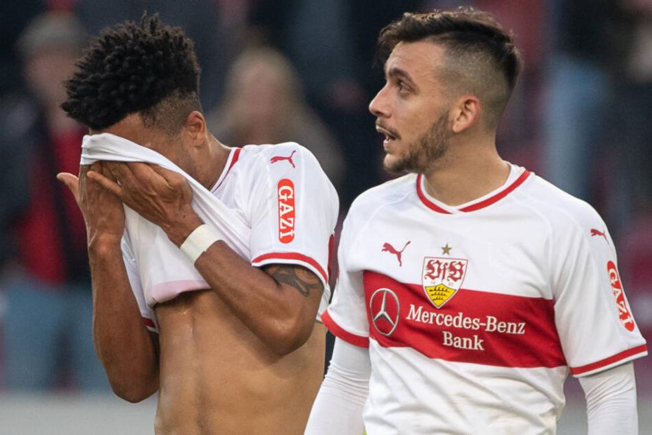 Anastasios Donis (r.) trägt noch das Trikot des VfB Stuttgart. Neben ihm versteckt sich Kollege Daniel Didavi (l.).