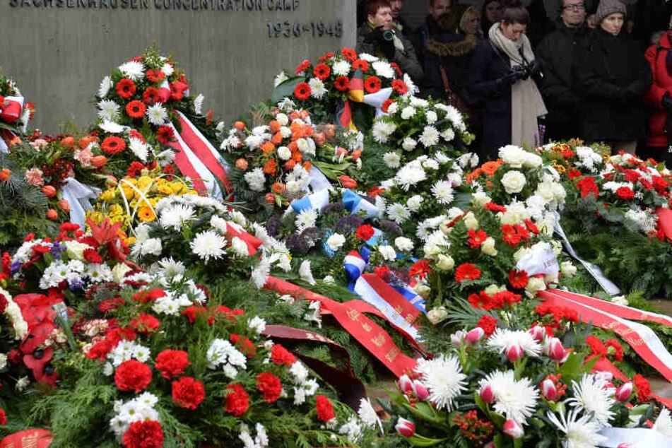Zum Holocaust-Gedenktag waren die Kränze niedergelegt worden. (Symbolbild)