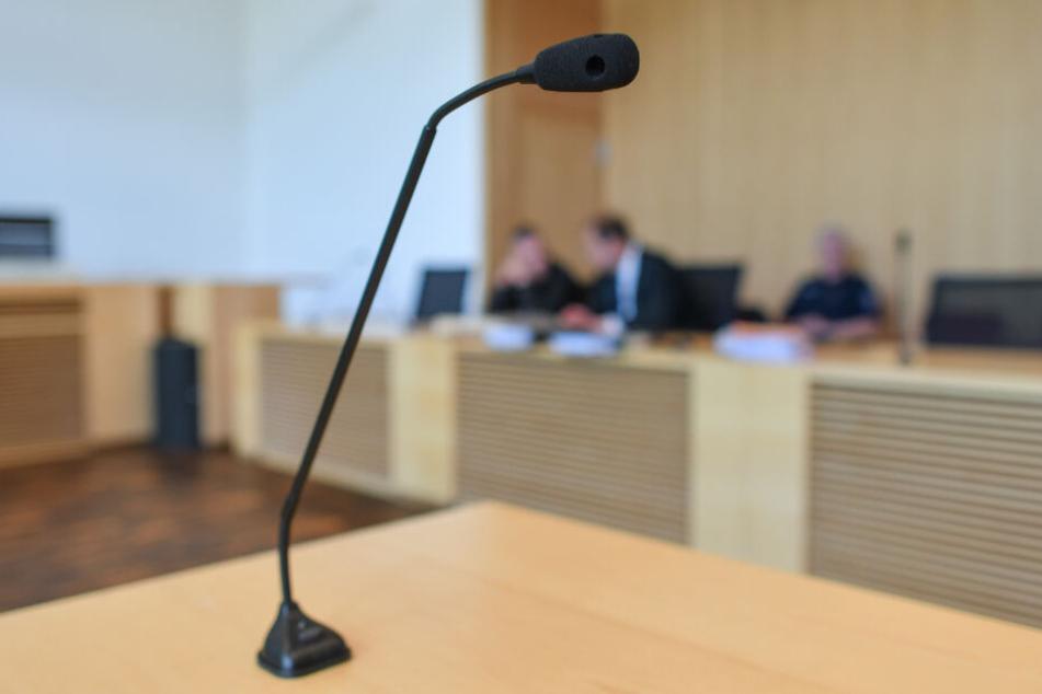 Folter-Orgie wegen flottem Dreier: Prozess gegen Frauen-Trio zieht sich