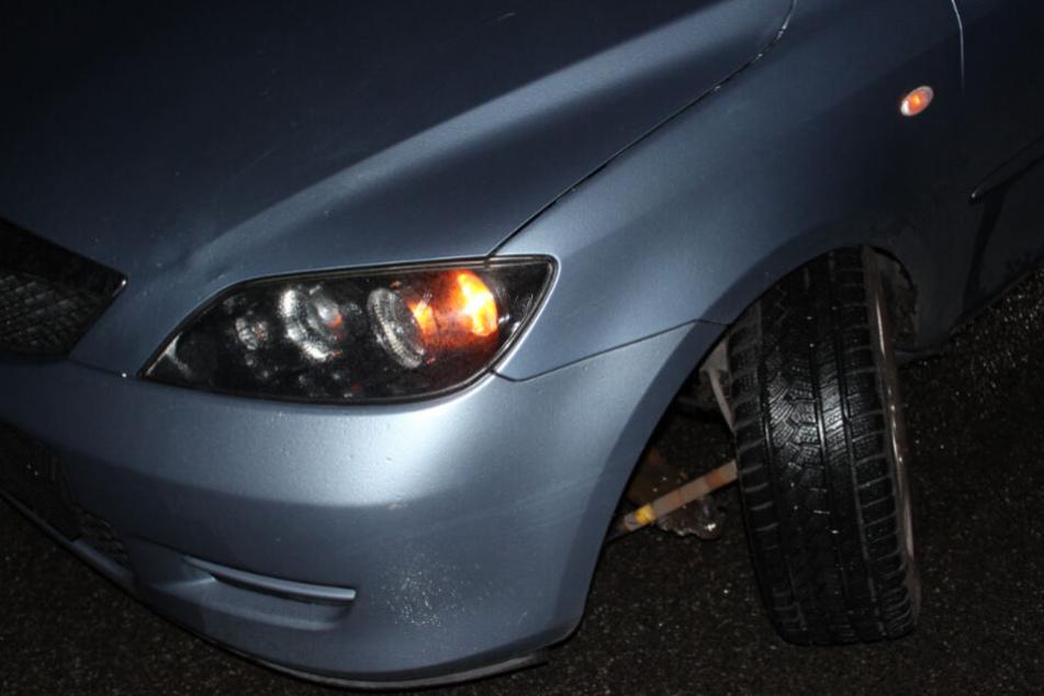 Die Vorderachse des Wagens war gebrochen.