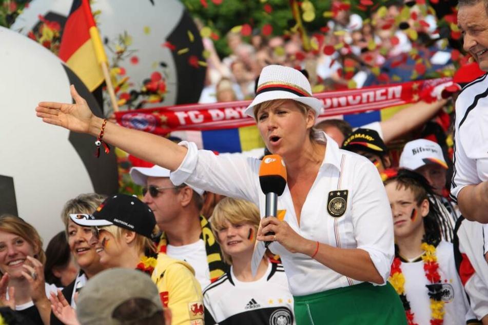 Der ZDF-Fernsehgarten wird auch am Sonntag wieder von Andrea Kiewel moderiert.