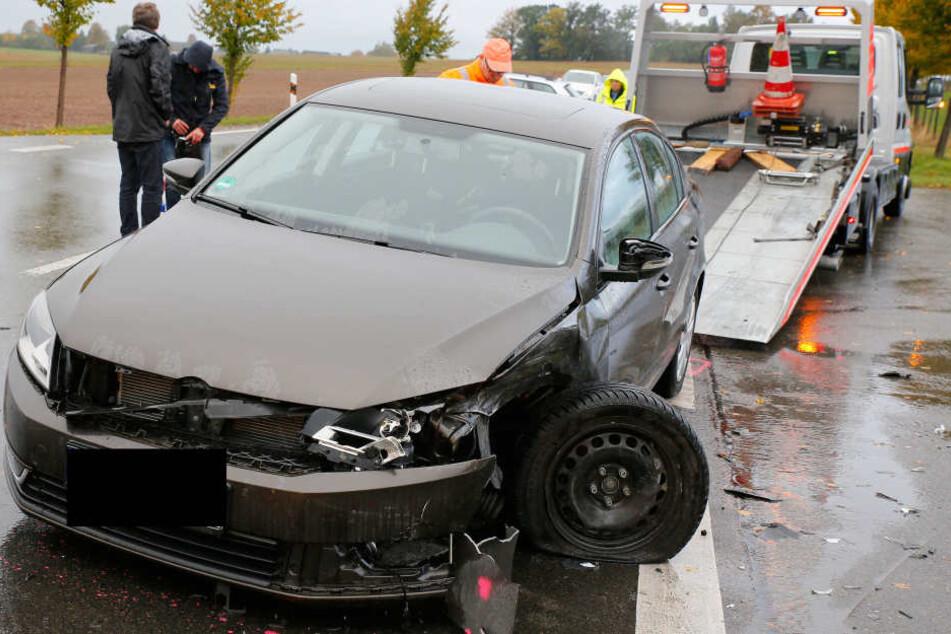 Nach dem Frontal-Crash war die S200 voll gesperrt.