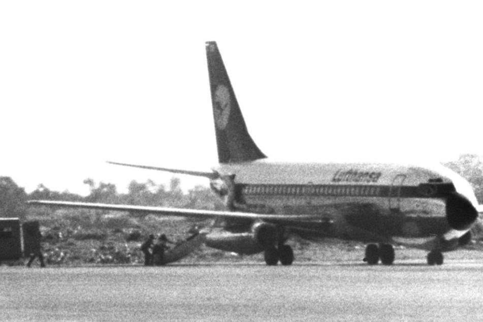 """Oktober 1977: Die """"Landshut"""" nach ihrer Landung im somalischen Mogadischu."""