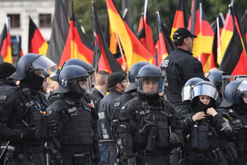 Insgesamt waren am Samstag 1250 Polizisten aus mehreren Bundesländern im Einsatz.