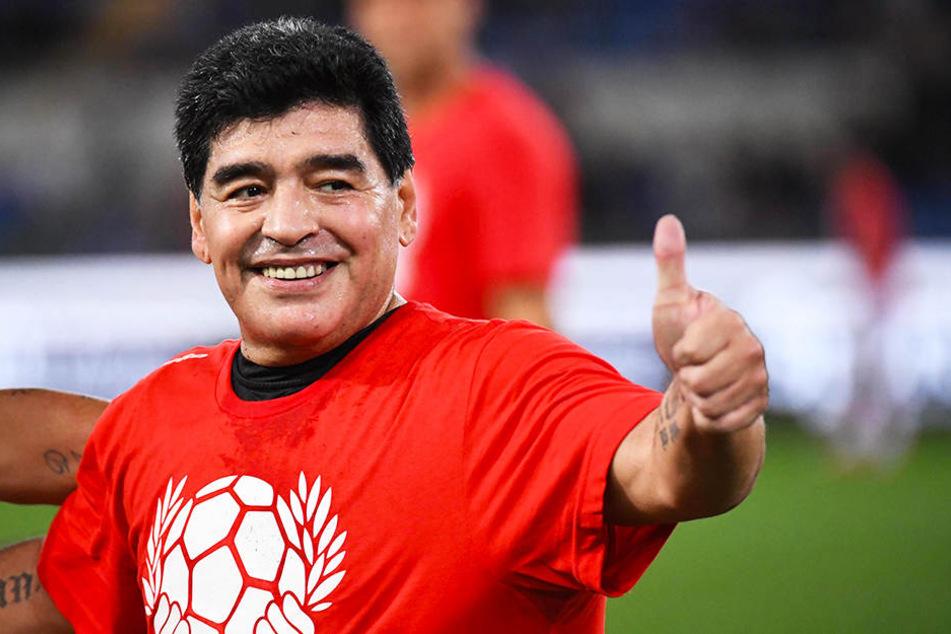 Daumen hoch: Diego Armando Maradona wird Trainer des mexikanischen Zweitligisten Dorados de Sinaloa.
